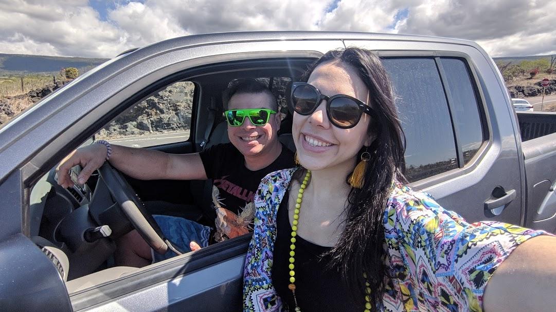 hawaii en el carro.jpg