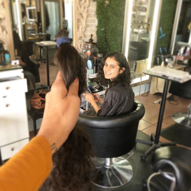 ✂️✂️✂️✂️ • • • • #sanantoniohairstylist #haircut #sanantoniohairsalon #hairlove #sanantonio #chopitoff #clients