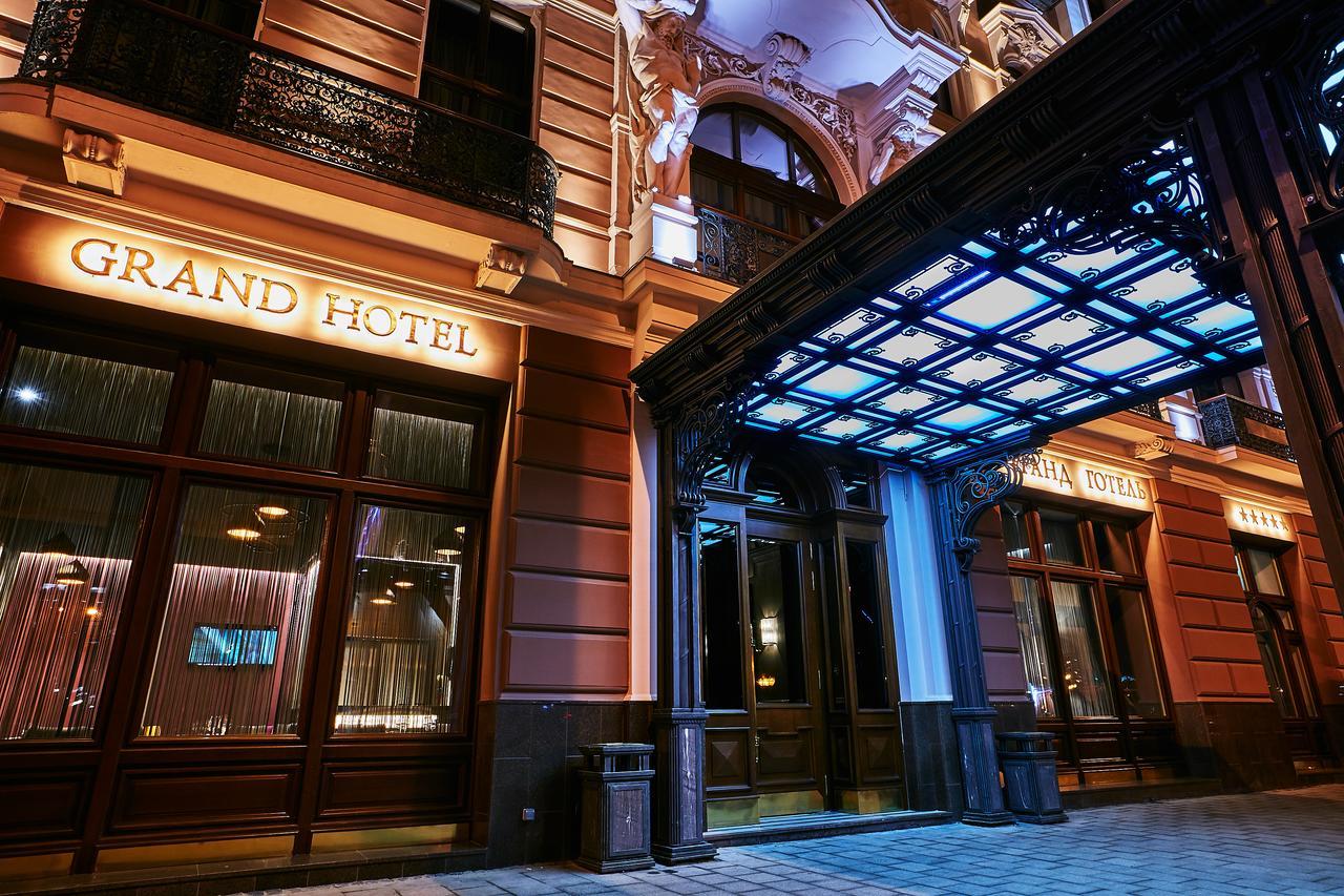 grand hotel.jpg
