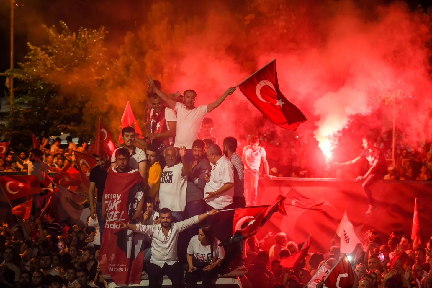 An Istanbul mayoral election is rattling Turkey's politics - I spoke to Vox on the Istanbul mayoral re-election and its implications for Turkey's national political scene.(June 2019)Read more here.