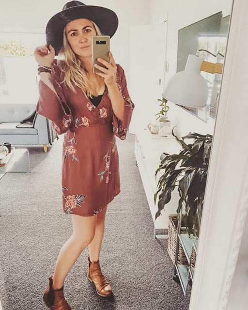 SELFIE QUEEN - Being an influencer doesn't always mean refined dressing, killer heels, with full hair and makeup. Effortlessly beautiful, Aimee from blog @mybelovedstyle talks to us about comfort dressing and sharing her secrets online..