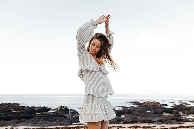 Doing a special little dance today with our babe @laura_snelling_  who we will be sharing the specialist of days with this week!! 💕💕 she is wearing the Willow and Jagger set (but soon to be wedding dress!!!) #taptoshop