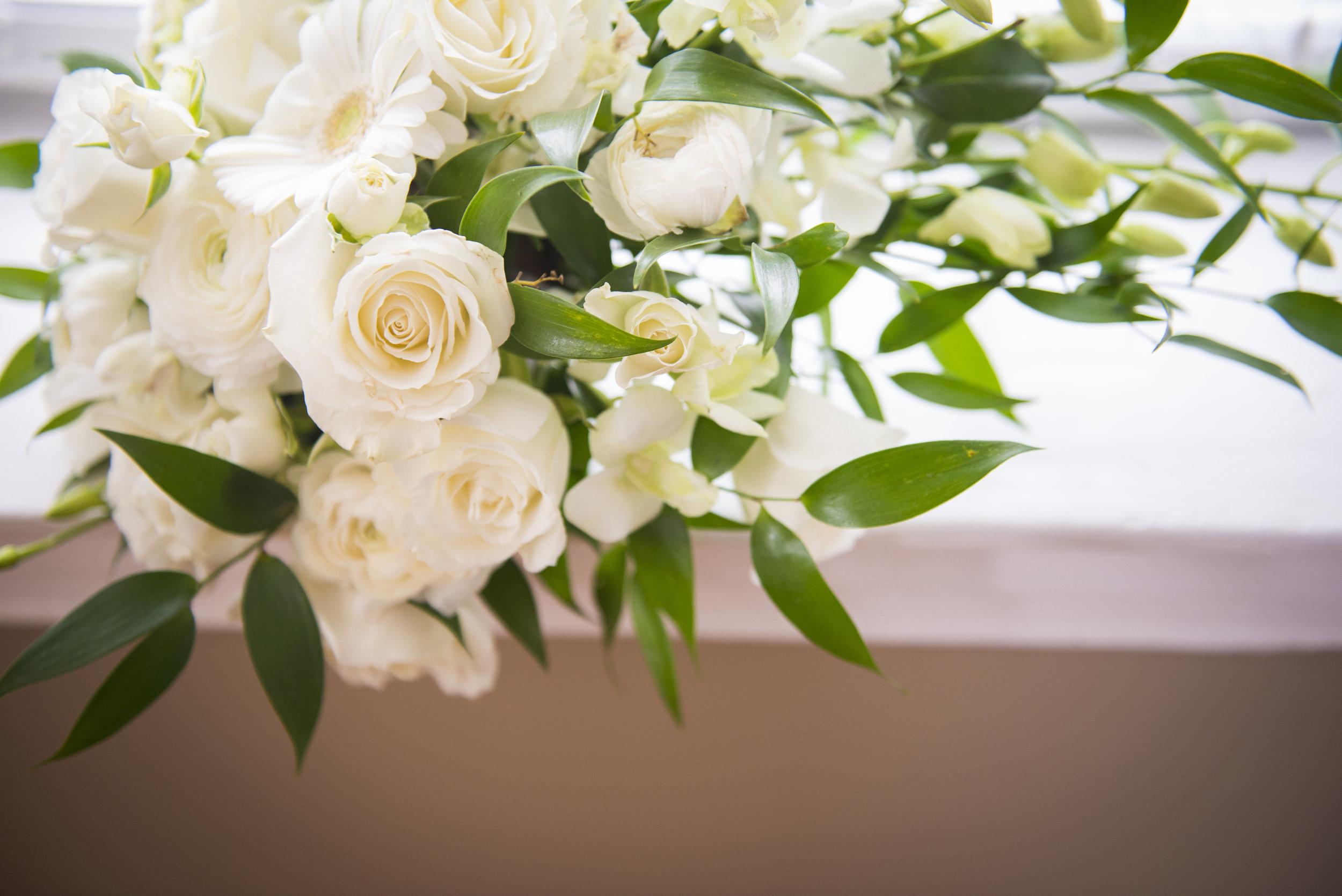 White rose floral arrangement // The Miner Details weddings