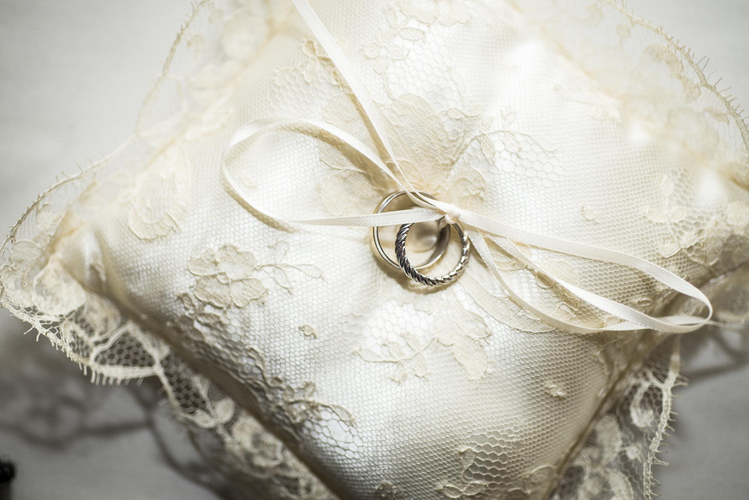 Winter wedding ring bearer pillow // The Miner Details weddings