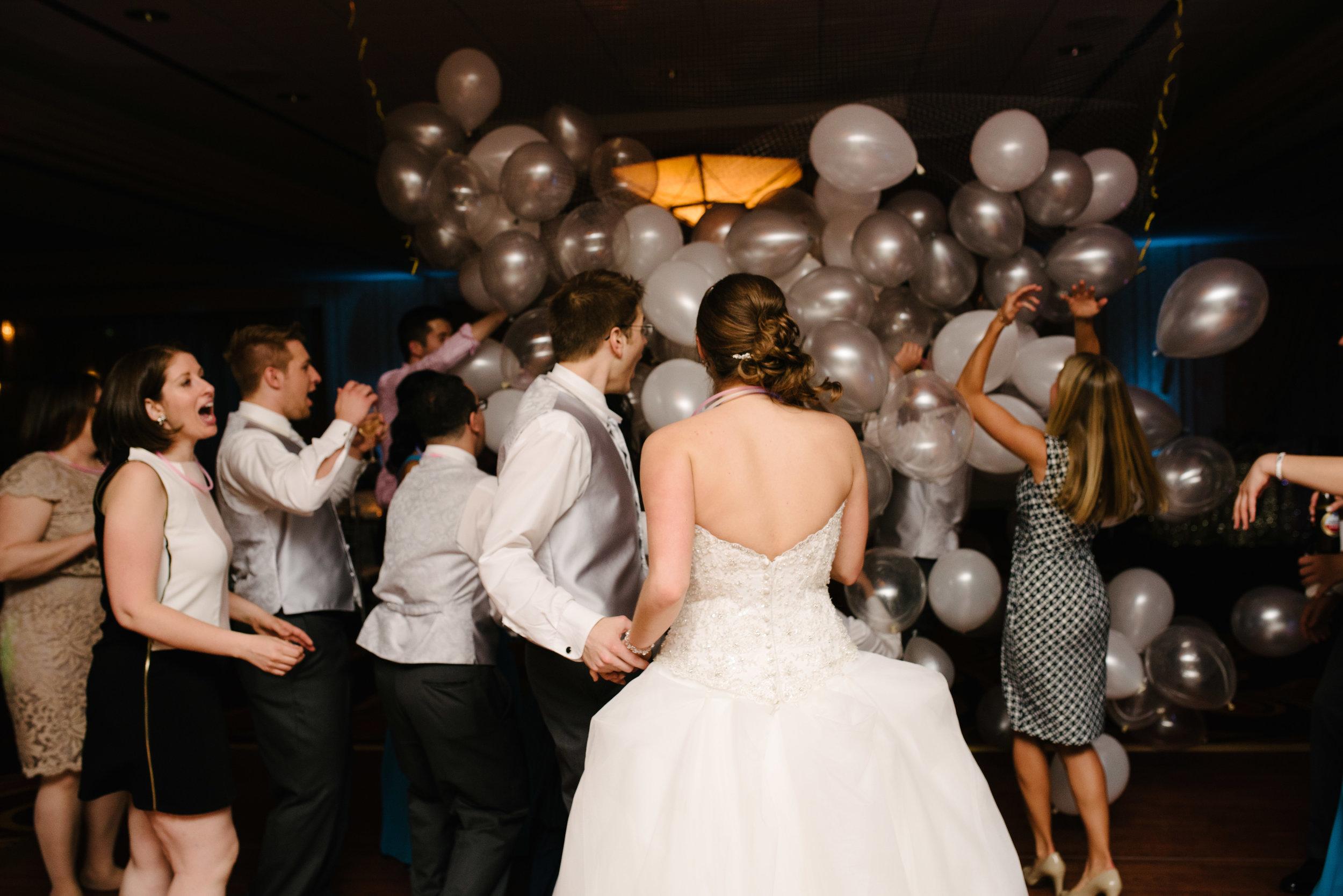 Balloon drop ballroom wedding reception // The Miner Details weddings