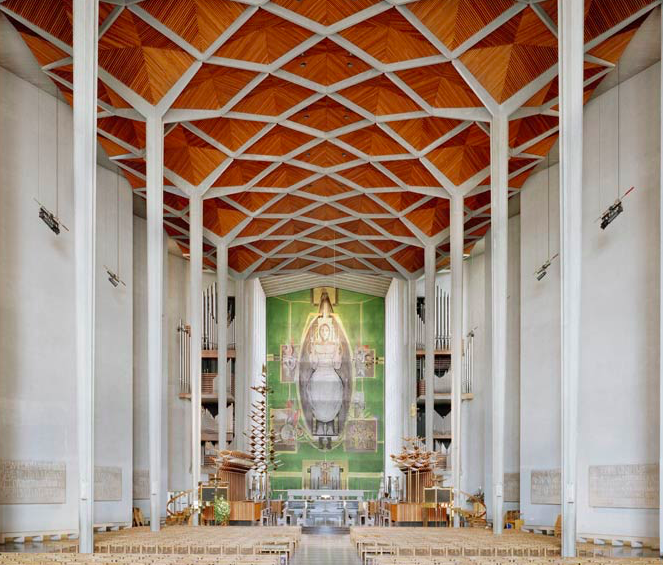 Cathedral interiors that will blow your mind - The interiors of England's 42 Anglican cathedrals are strikingly different. Award-winning photographer Peter Marlow has captured them all on camera. Full story here.(BRITAIN)