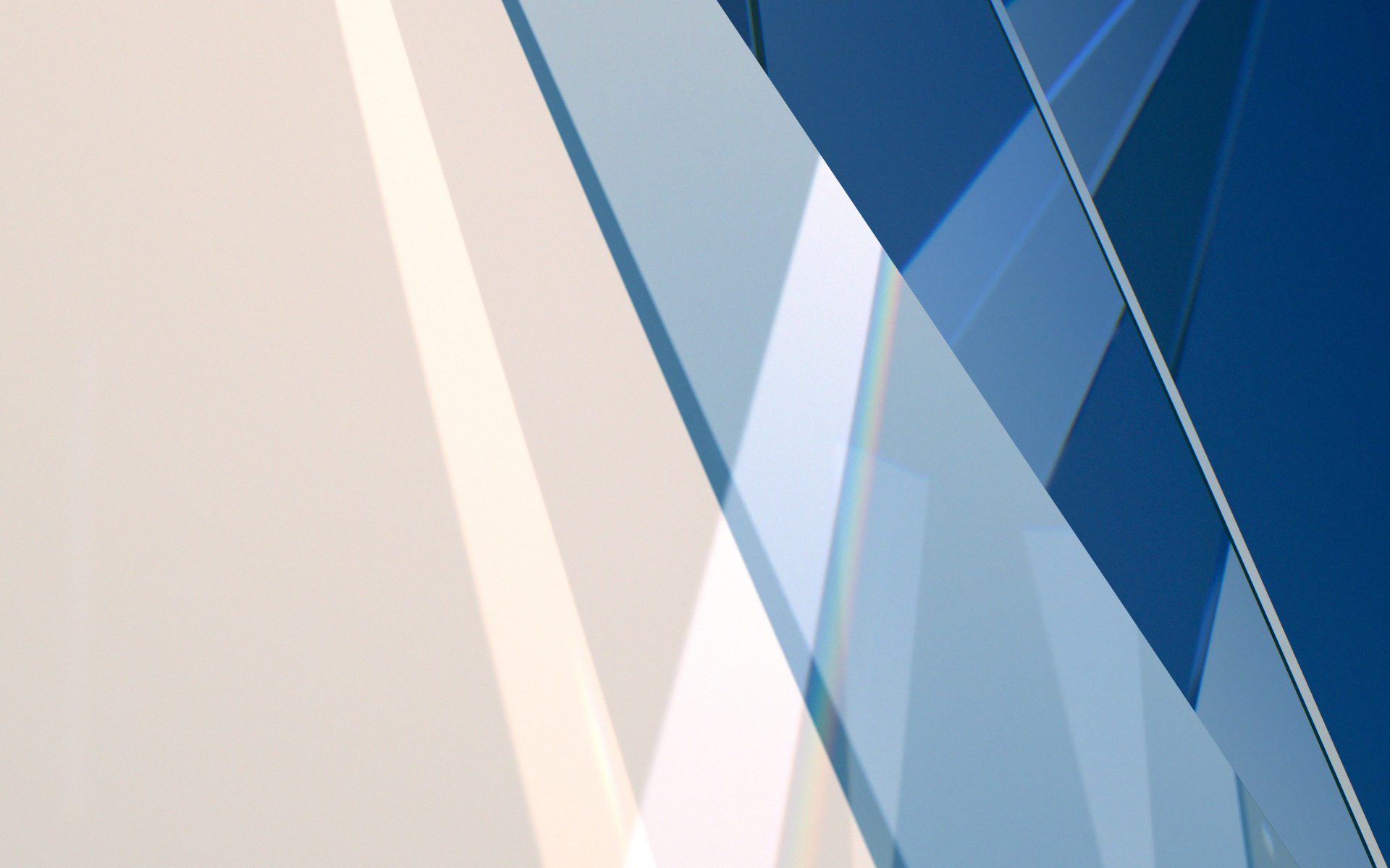 Eskimo Square Glass Prism_0015_Glass Prism 05.jpg