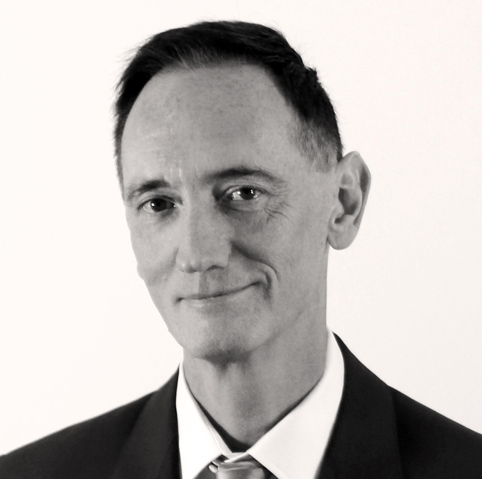 Dr David McDowell, Consultant Spécialiste