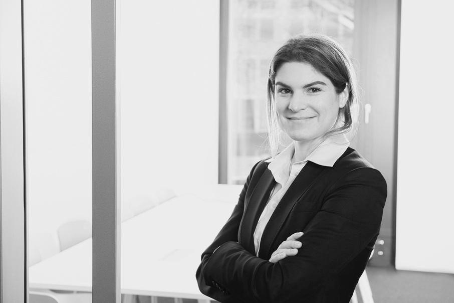 Nastasia Bach, Pivot Regulatory