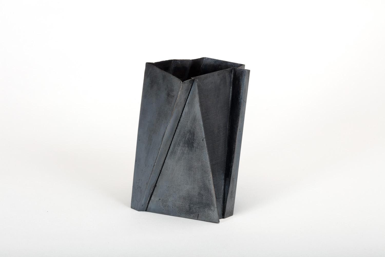 Kei-L-vase black-a 26.jpg.jpg