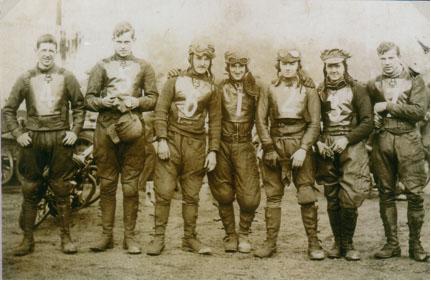 belle vue 1931 - Oliver Langton, Wally Hull, Bob Harrison, Frank Varey (capt.), Len Woods, Eric Langton, Wilf Mulliner