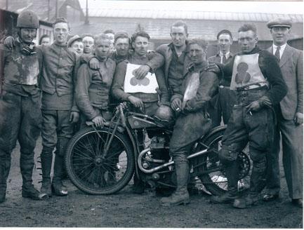 belle vue goats 1934 - Eric Gregory (on left), Jack Harris (Manager, centre), Jack Tye (on bike)