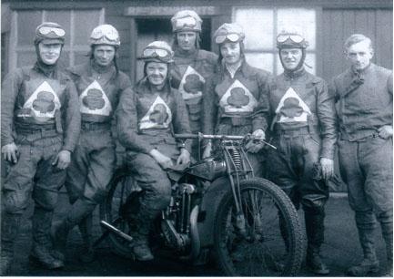 belle vue aces 1935 - Bill kitchen, Max Grosskreutz, Eric Langton, Eric Blain, Bob Harrison, Joe Abbott, Tommy Allott