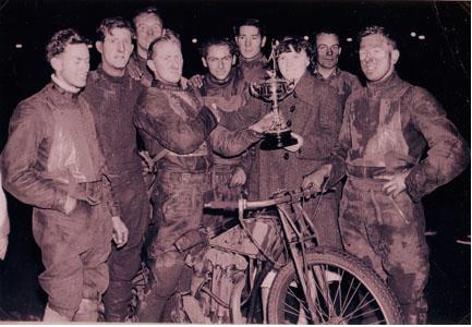 belle vue 1938 - Alan Butler, Oliver Hart, Jack Gordon, Tommy Price (capt.), Jack Hargreaves, Frank Chiswell, Harold Jackson, Ernie Price