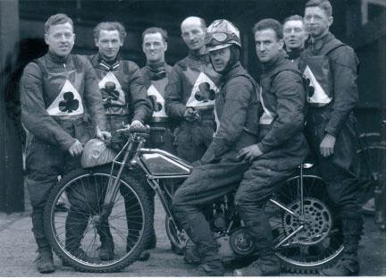 belle vue aces 1939 - Tommy Price, Jack Hargreaves, Joe Abbott, Bob Harrison, Eric Langton (capt.) Frank Varey, Bill Kitchen, Oliver Langton.