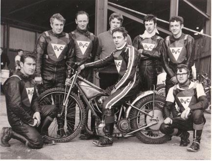 belle vue colts 1969 - Bill Moulin, Ken Moss, Peter Thompson, Alan Middleton (team manager), Chris Bailey (capt.), Steve Waplington, Eric Broadbelt, Ken Eyre