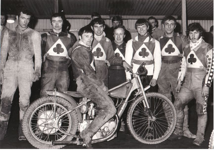 belle vue aces 1970 - Eric Broadbelt, Mike Hiftle, Tommy Roper (capt.), Ivan Mauger, Soren Sjosten, Ken Eyre, Dave Hemus, Chris Pusey.