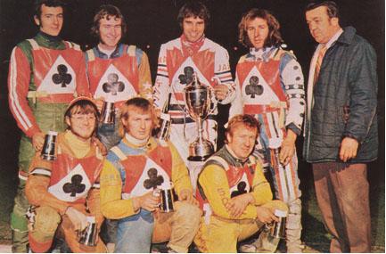 belle vue aces 1972 - Eric Broadbelt, Ken Eyre, Peter Collins, Alan Wilkinson, Ivan Mauger (capt.), Soren Sjosten, Chris Pusey, Dent Oliver (team manager)