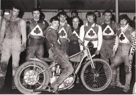 belle vue aces 1970 - Eric Broadbelt, Mike Hiftle, Tommy Roper (capt.), Ivan Mauger, Soren Sjosten, Ken Eyre, Dave Hemus, Chris Pusey