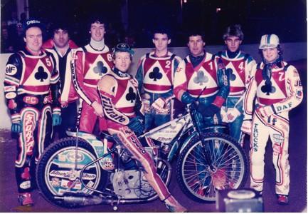 belle vue aces 1984 - Peter Collins, Stuart Bamforth (promotor), Kenny McKinna, Chris Morton (capt.), Mark Courtney, Larry Ross, Peter Carr, Andy Smith