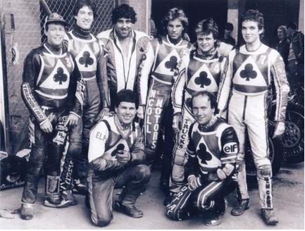 belle vue aces 1984 - Chris Morton (capt.), Kenny McKinna, Larry Ross, Stuart Bamforth (promotor), Peter Carr, Andy Smith, Peter Collins, Mark Courtney