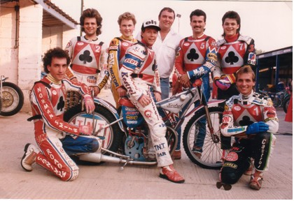 belle vue aces 1988 - Paul Thorp, Andy Smith, Roland Danno, Chris Morton (capt.), John Perrin (promotor), Mike Faria, Paul Smith, Peter Ravn