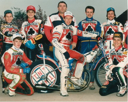 belle vue aces 1989 - Kelly Moran, Joe Screen, Paul Smith, John Perrin (promotor), Chris Morton (capt.), Gordon Whittaker, Shawn Moran, Peter Ravn