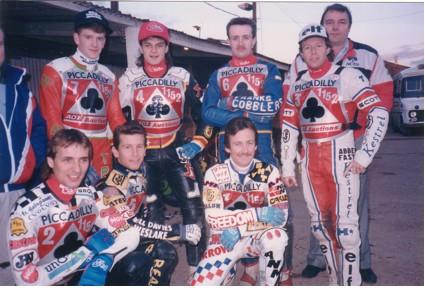 belle vue aces 1989 - Peter Ravn, Joe Screen, Kelly Moran, Paul Smith, Gordon Whittaker, Shawn Moran, Chris Morton (capt.), John Perrin (promotor)