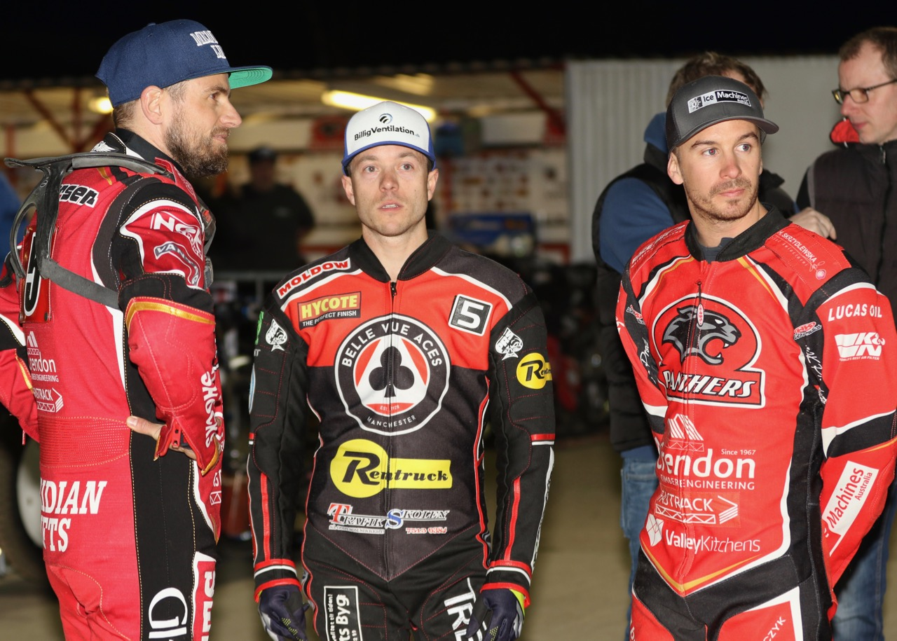 Kenneth Bjerre (centre) scored a flawless 15-point maximum in his first Aces appearance in 2019