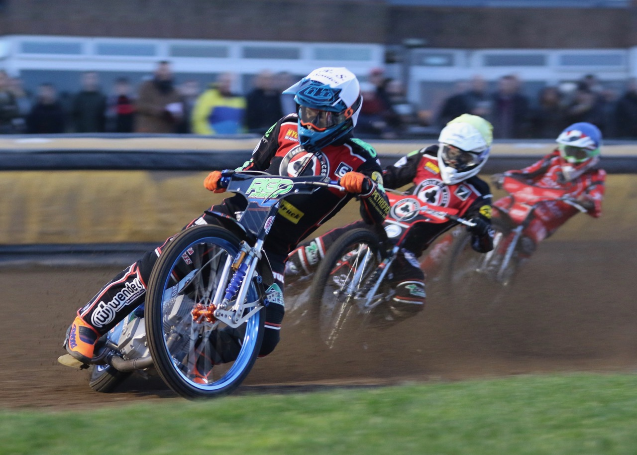 Dimitri Berge (white) and Jaimon Lidsey (yellow) lead the way for the Aces in Heat versus Peterborough
