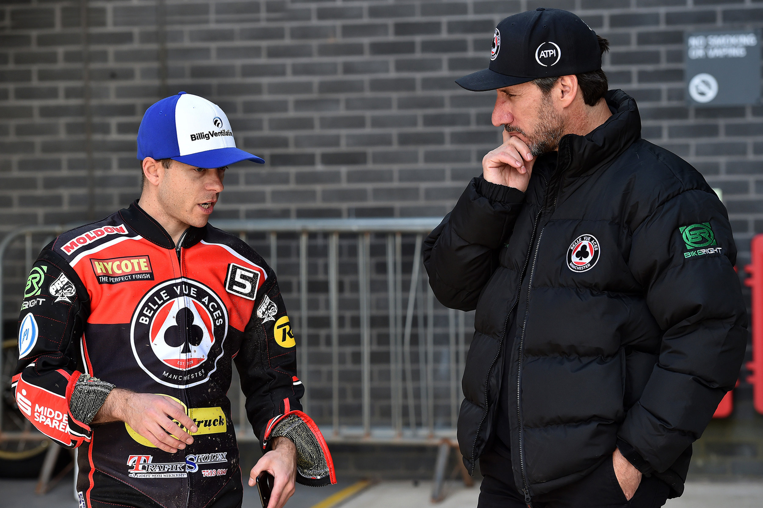 Kenneth Bjerre in discussion with Rentruck Aces team boss Mark Lemon