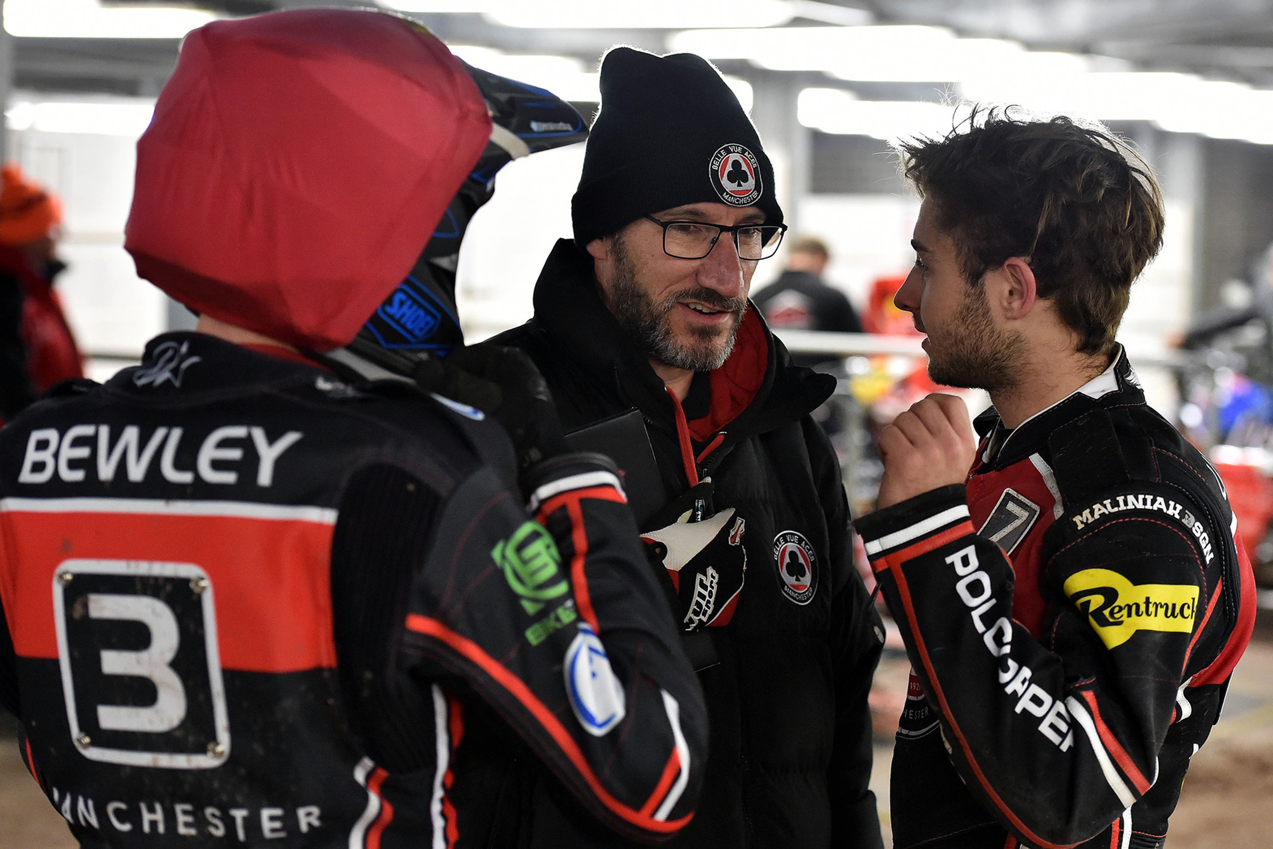 The pressure is on at the NSS on Monday when Belle Vue welcome league leaders Peterborough
