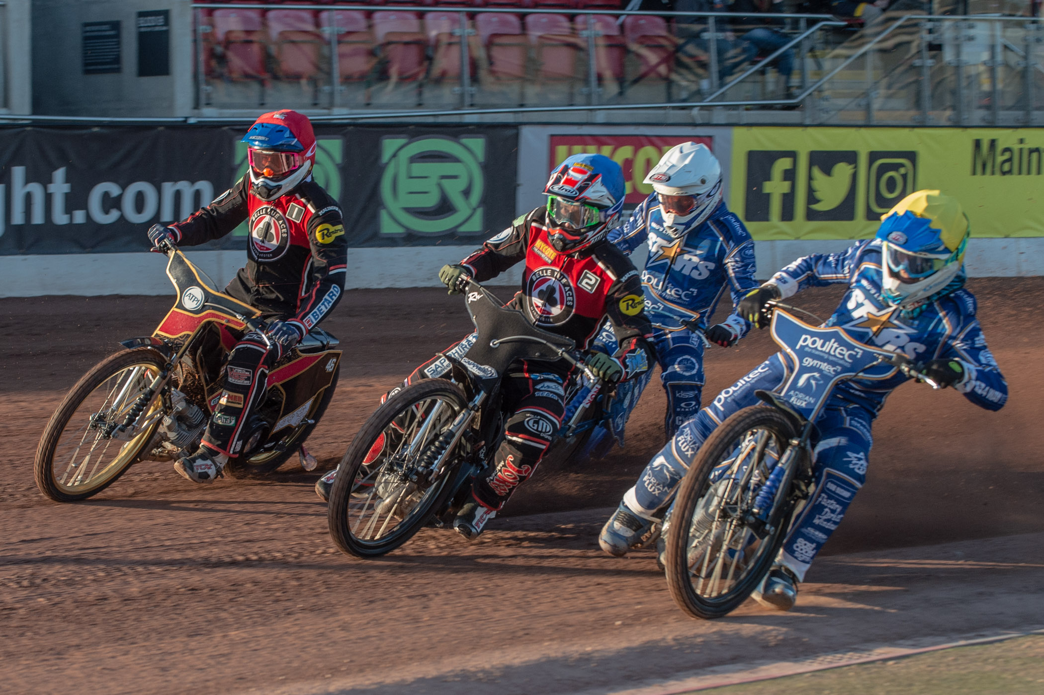 Max Fricke (red) went through the card to record a 15-point maximum