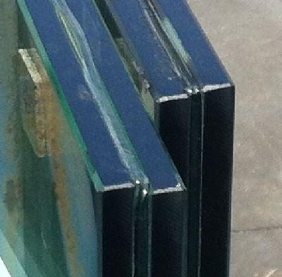 Verschoven GLAspanelen na laminatie