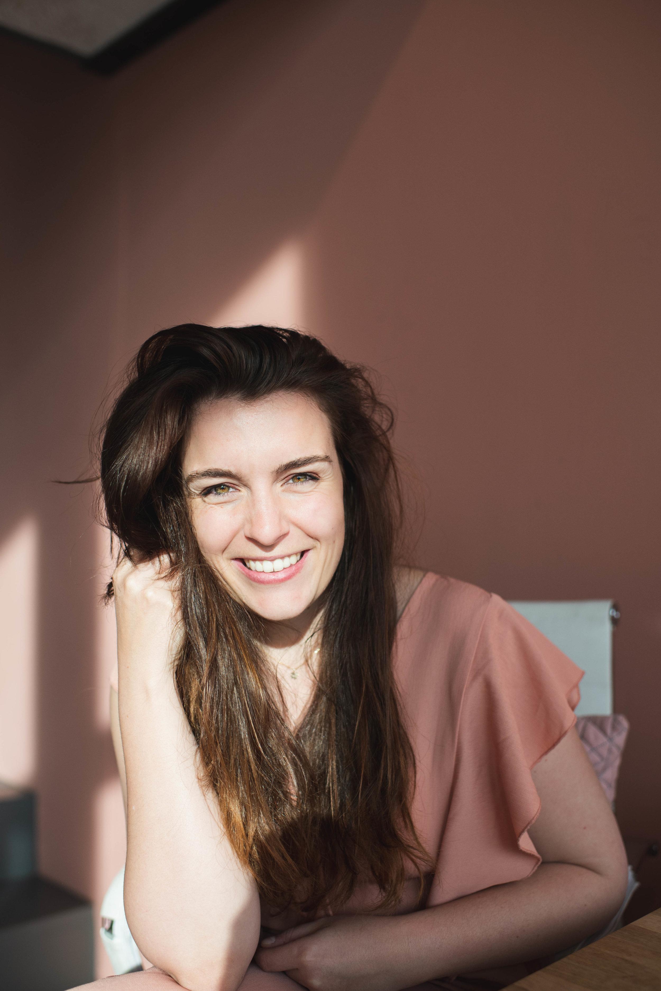 De Amsterdamse onderneemster Amber van Leeuwen (The Social Goodgirl) gefotografeerd in haar kantoor.