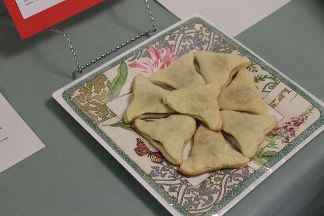 Raisin-Filled-Cookies.jpg