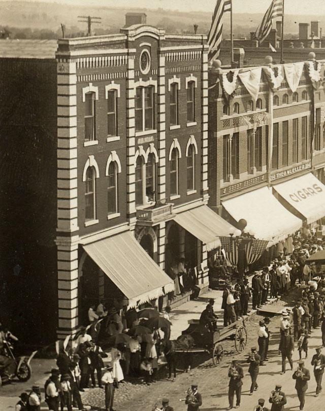 The Grand Hotel New Ulm 1900s.jpg