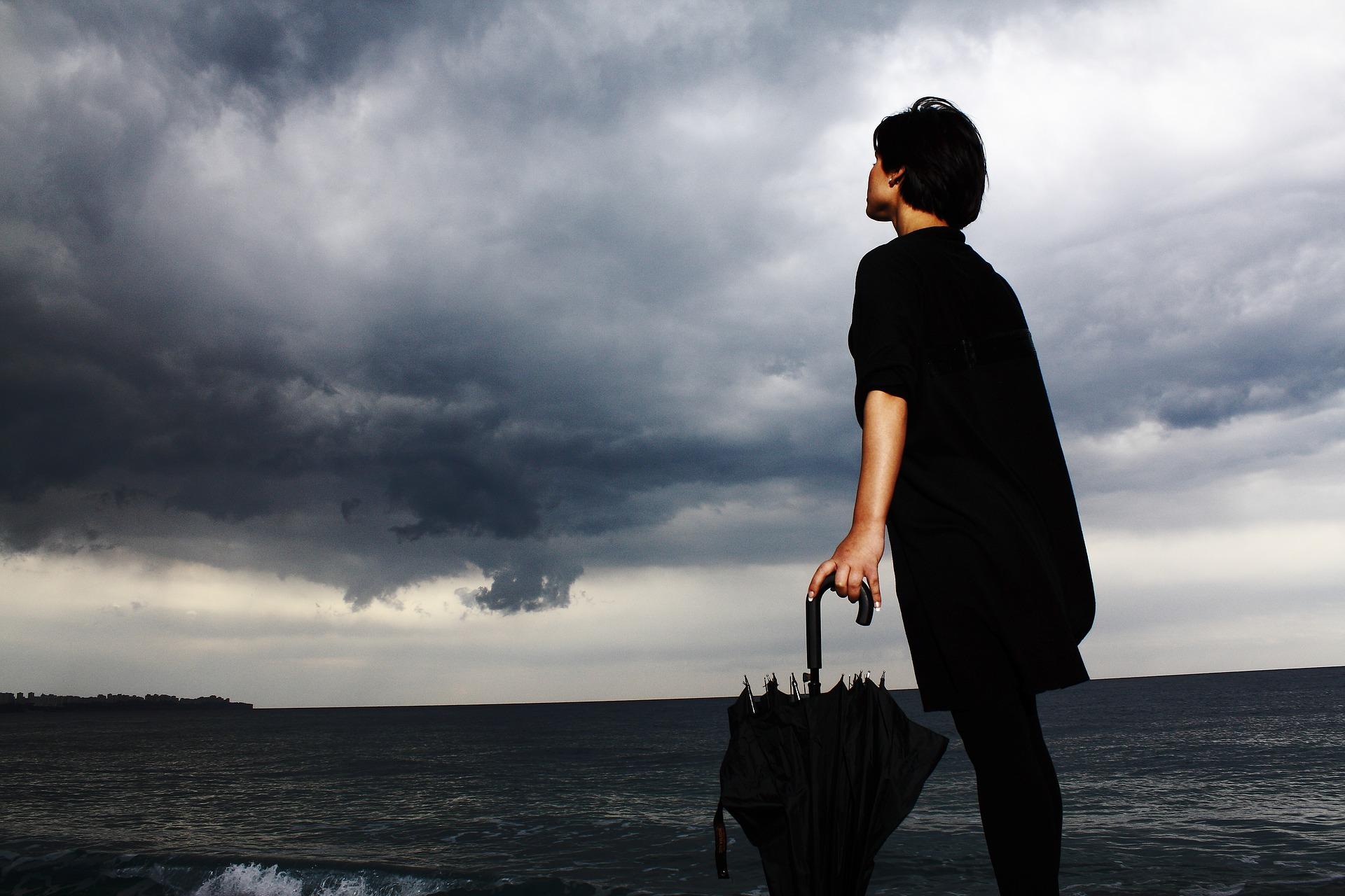 umbrella-2603995_1920.jpg