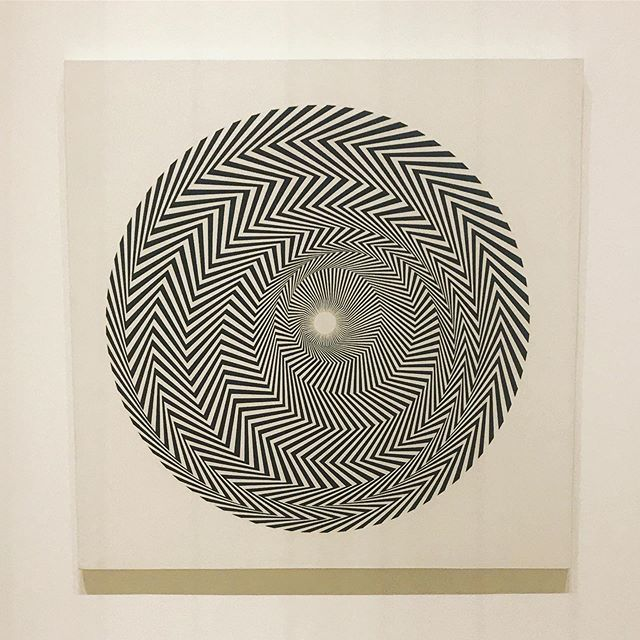 Some come to Edinburgh for the comedy. I recommend the Op Art. That Bridget Riley sure does her homework. . . . . . #BridgetRiley #OpArt #EdinburghFestival