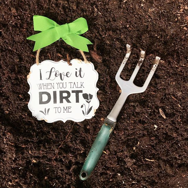Warmer weather = time you get your hands dirty in the garden, and we couldn't be more excited! ☀️🌱