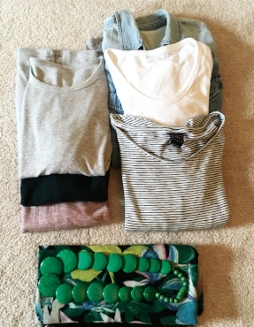 These 6 casual tops go with scarf and necklace.
