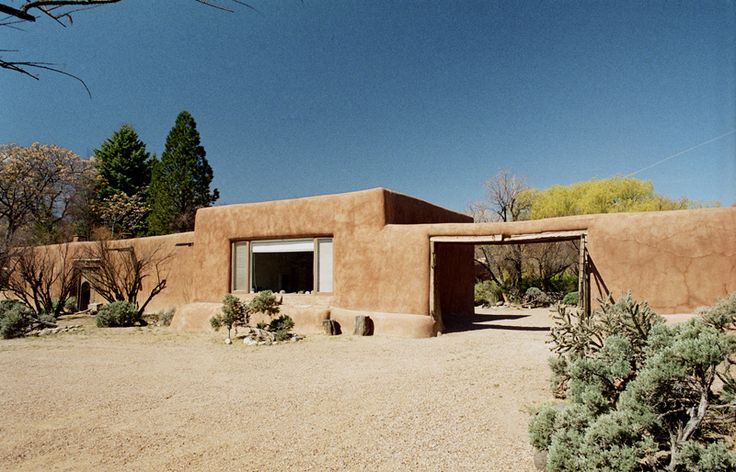 The exterior of the Abiquiu home.