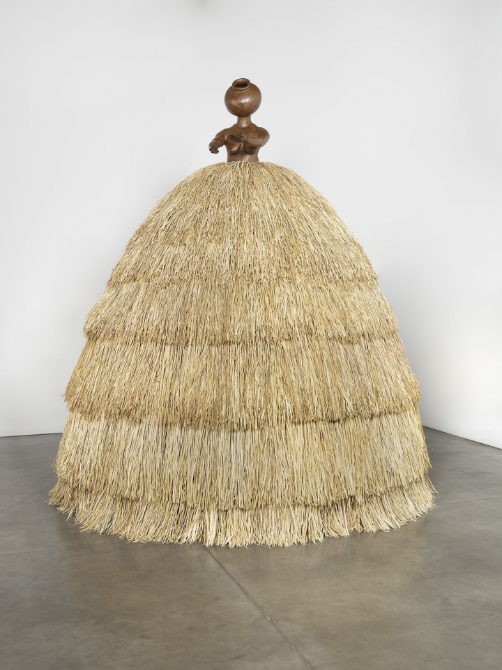 """Simone Leigh, """"Cupboard VIII"""" (2018), stoneware, steel, raffia, Albany slip (© Simone Leigh; image courtesy the artist and Luhring Augustine, New York)"""