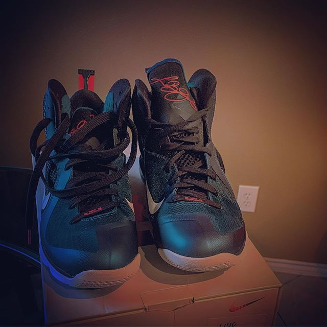 Nike Lebron 9...Swingman
