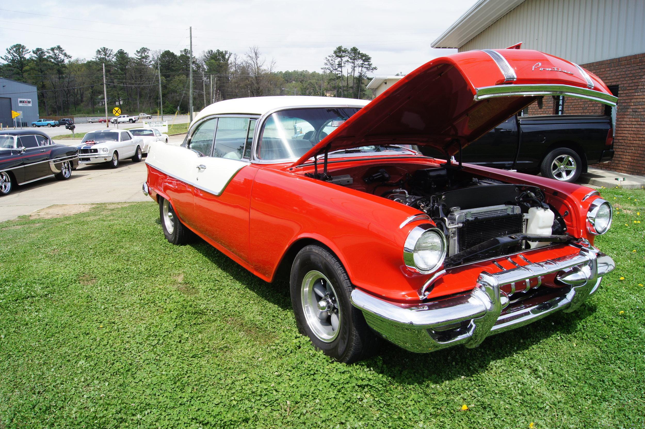 1955 Pontiac Cheiftan -