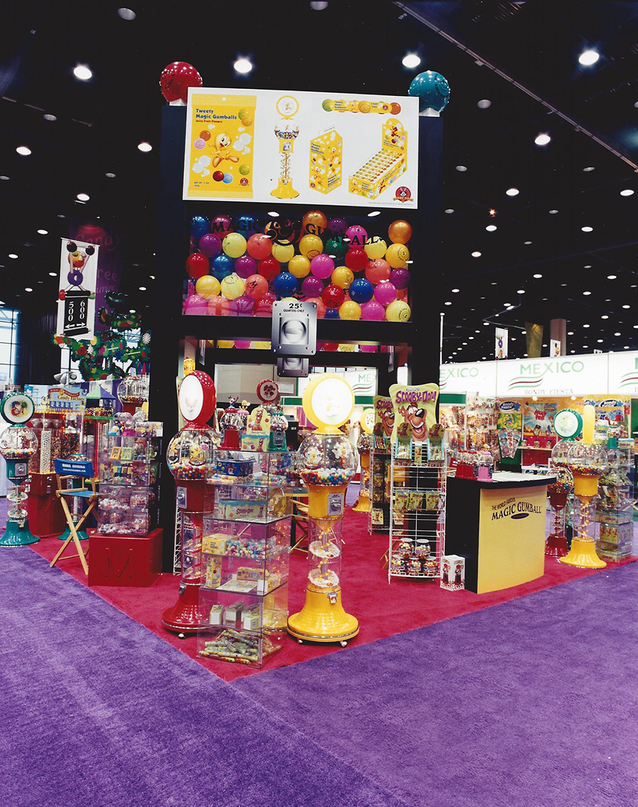 Colorful custom tradeshow booth
