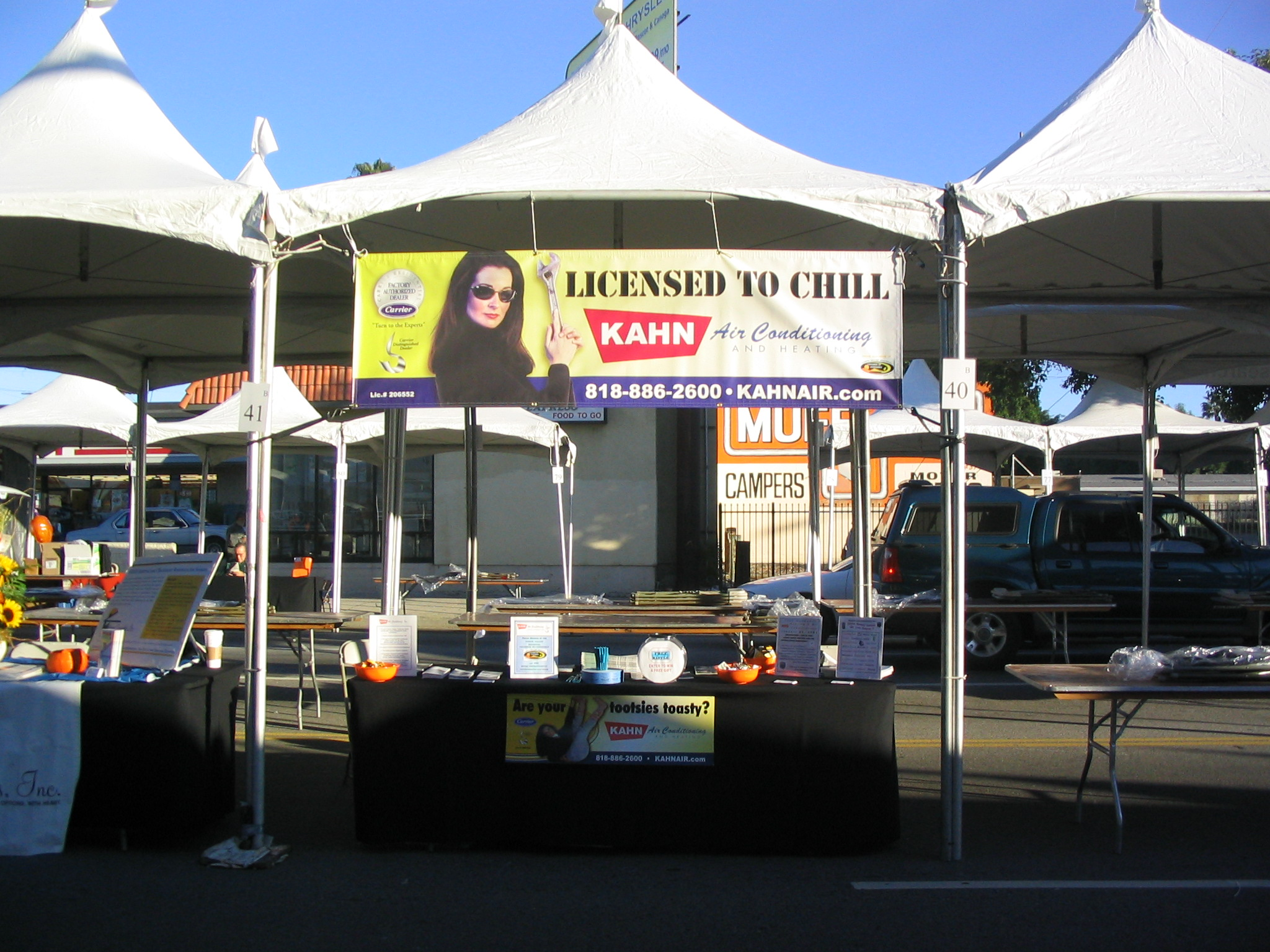 Lightweight/ultralight outdoor trade show canopy display portable