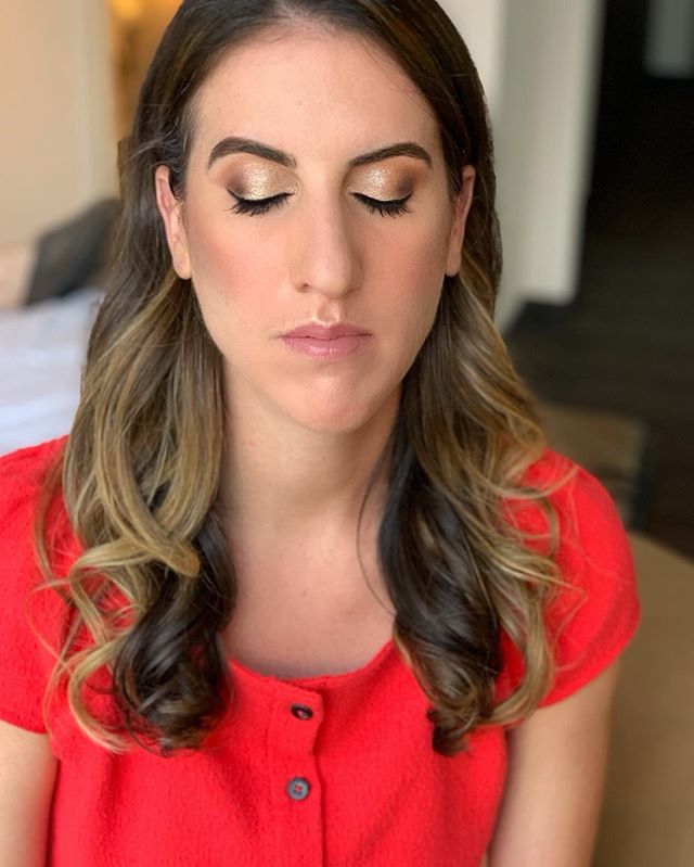 Natural makeup for my beautiful client ✨😊 ——— Maquillaje natural para mi hermit cliente ✨😊 Algunos Productos : @anastasiabeverlyhills Soft glam eyeshadow palette @kissproducts Beehive eyelashes  @ctilburymakeup airbrush flawness foundation . . . . . #nyccertifiedmakeupartist #nycbridalmakeup #maquillajenyc #maquillajenewyork #nycmaquillaje #nycmaquillista #nycmakeupclass #bkmakeup #queensmakeup #maquillajeennyc #nycbridalmakeup #indianbridalmakeup #automaquillajenyc #maquillajenyc #maquillistaennewyork #clasesdemaquillajeennewyork #nycmakeupartist #brooklynmakeupartist