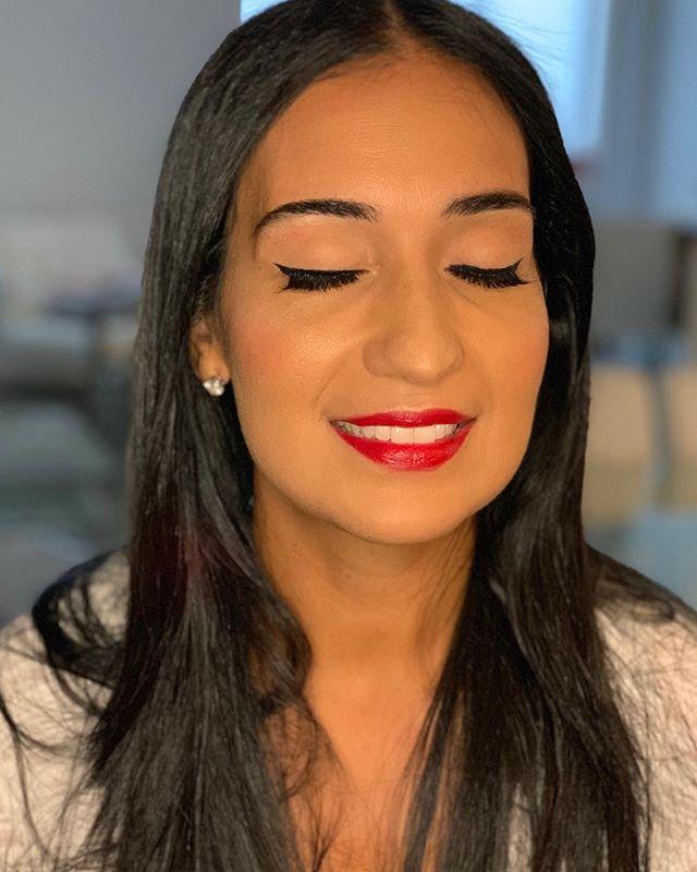 Soft Makeup & Elegant ✨ ——— Maquillaje Suave & Elegante ✨ . . . . . . . . #muanyc #latinamakeup  #nycfreelancemua #bridenyc#nycfreelancemakeupartist  #indianbridalmakeup #automaquillajenyc #maquillajenyc #maquillistaennewyork #clasesdemaquillajeennewyork #nycprommakeup  #nycmaquillaje #nycmakeup #nycmakeupartist #makeupglownyc #nycbridalmakeup #nycweddingmakeup #makeupartistnyc #brooklynmakeup #queensmakeup #nycbridal