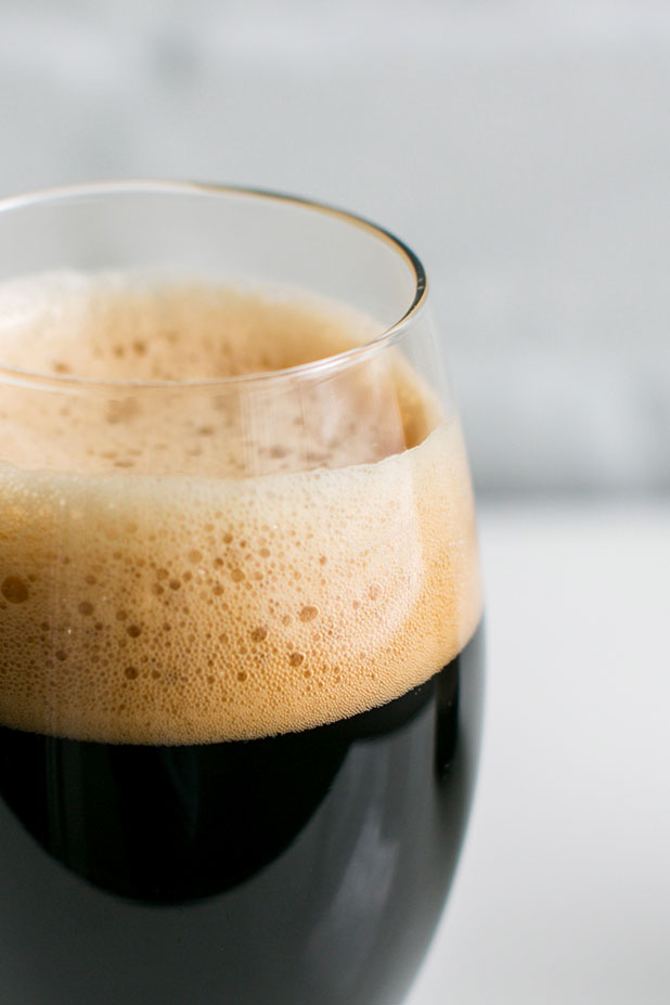 Richmond commercial photographer Sarah Der captures the delicious Hardywood Gingerbread Stout